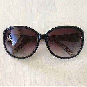 Accessories - Oversized High Fashion Chic Black Shiny Sunglasses